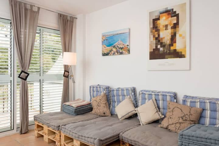 101.89 Apartment with one double bedroom in the center of the town.