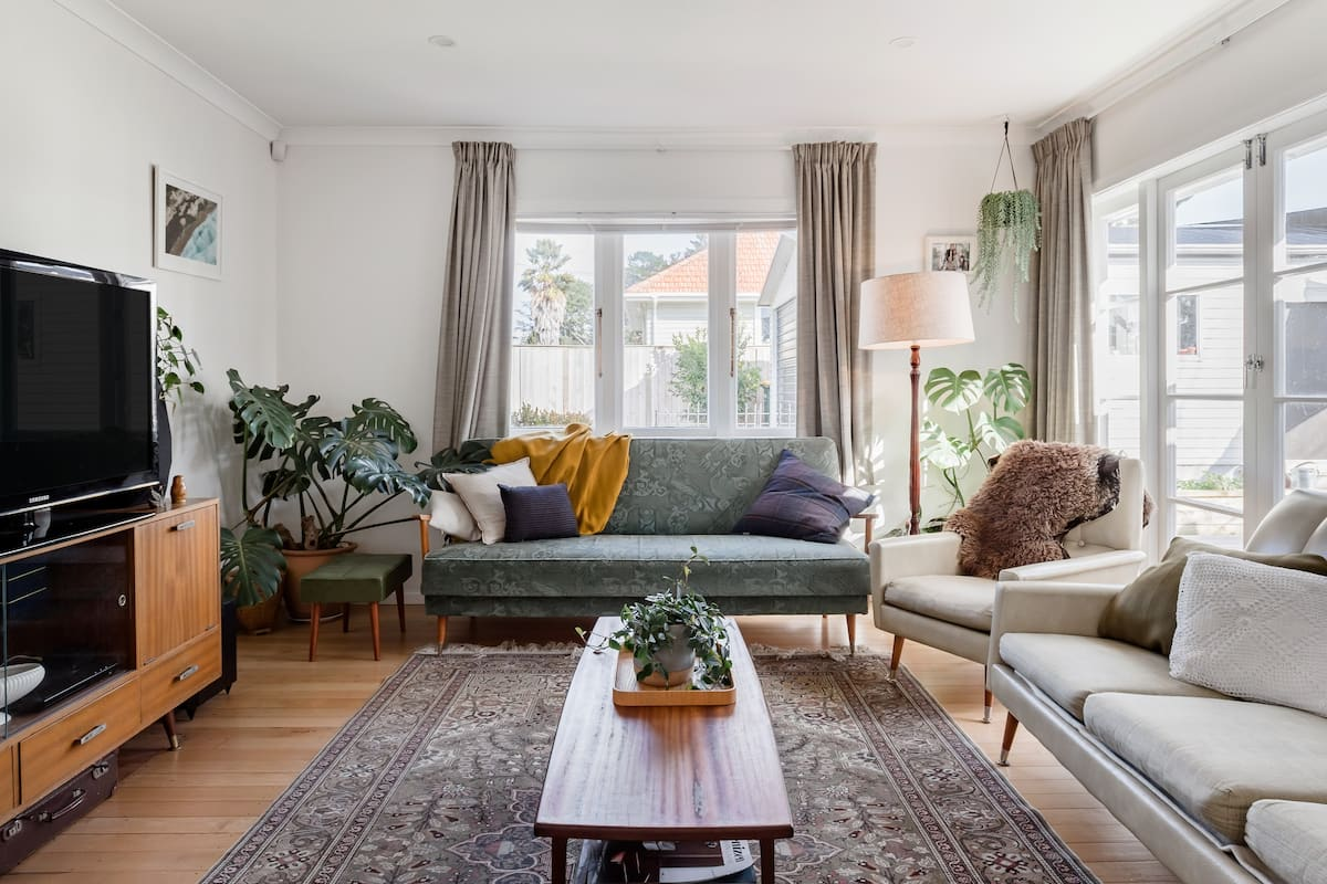 Comfy Mid-Century Family House With a Sunny Deck