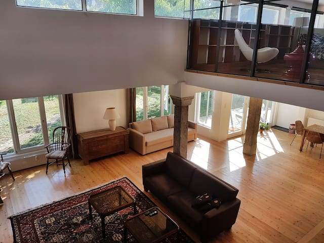 Great loft near UNO/VIC, only 10 mins to Centre