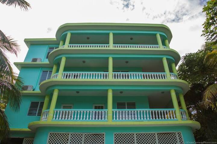 Caribbean Surf Villas - Villa Mona - Aguada - Villa