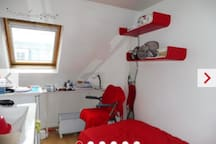 Perfect location! Cheap tiny room for 1 or2persons