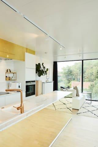 Nieuw luxe appartement 8 personen + parking @ zee