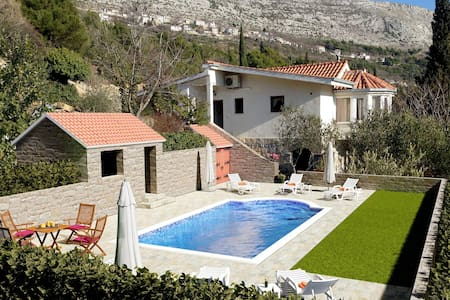 NEW!! Villa Vultana with private pool, 8 persons - Split - Villa