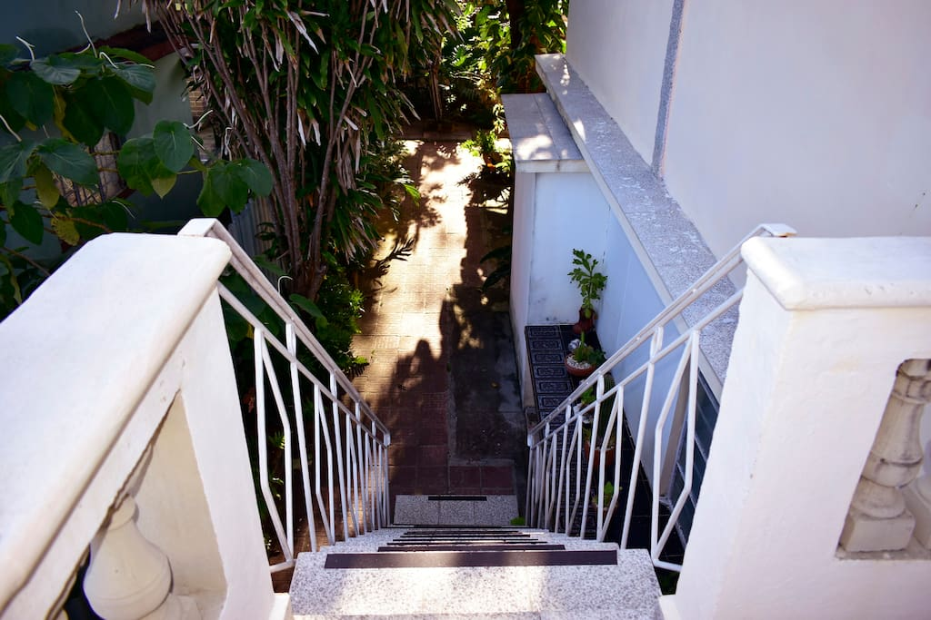 Escaleras seguras para niños y personas mayores