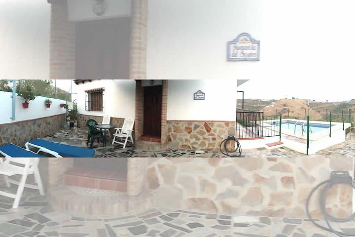 Acogedora Casa Rural con Piscina 2 dormitorios. - Vélez-Málaga - Villa