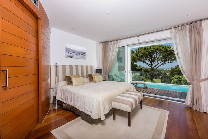 Sunny Lounge Apartment 3 bedrooms with ocean view