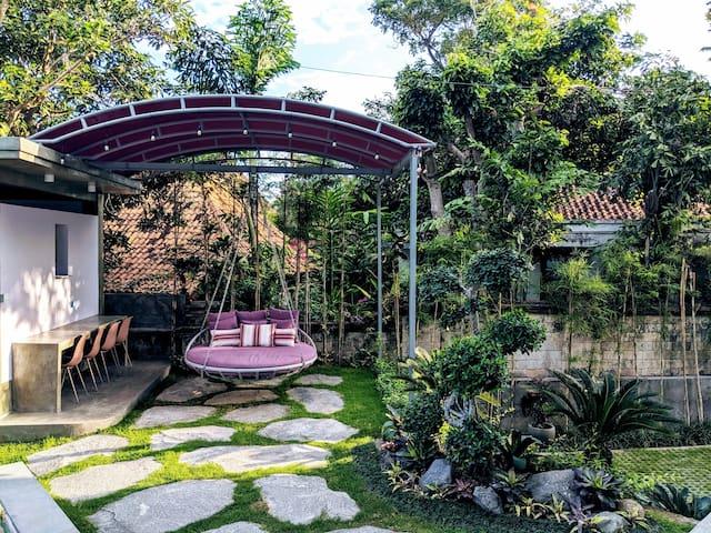 Ohana Retreat Bali - Deluxe Room close to beach