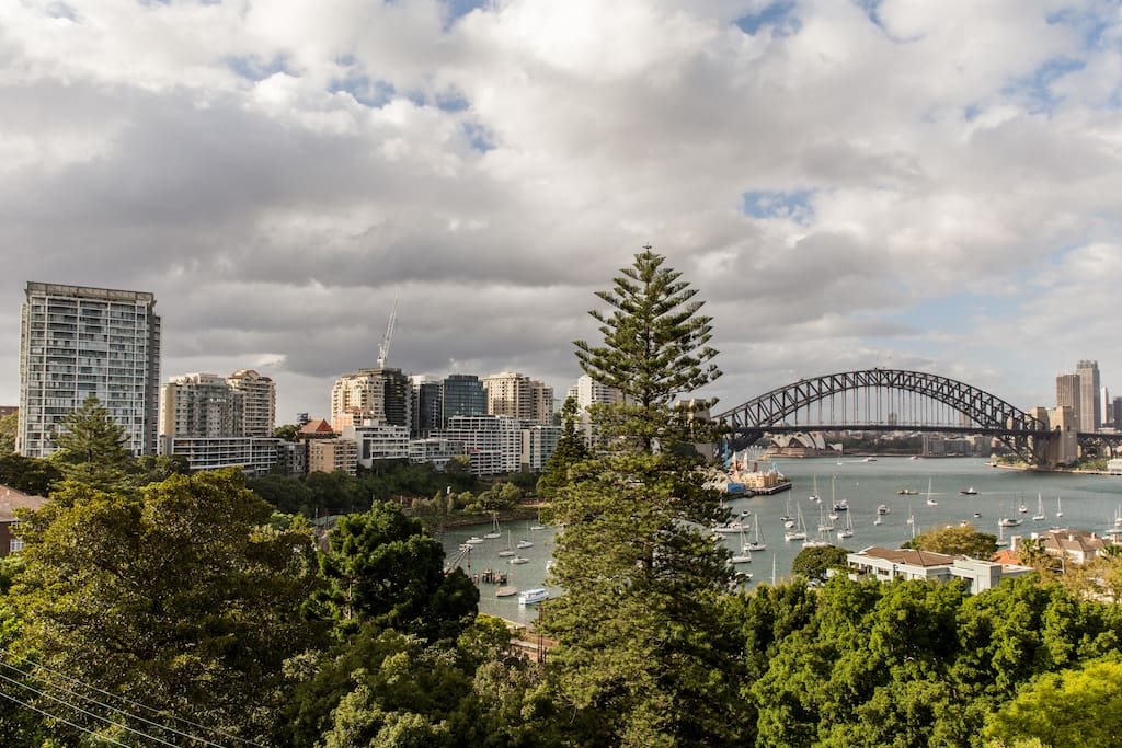 A clear view of the Opera House, Harbour Bridge and City from the balcony