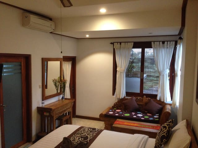 Raditya House Ubud - Ubud - Bed & Breakfast