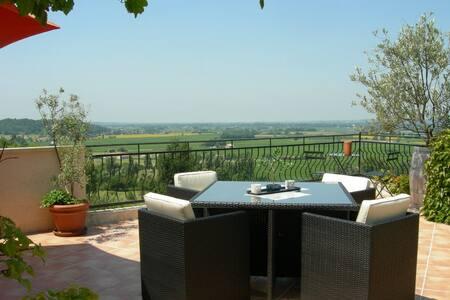 Maison d'hôtes proche de Saint Emilion & Castillon - Pujols - Guesthouse