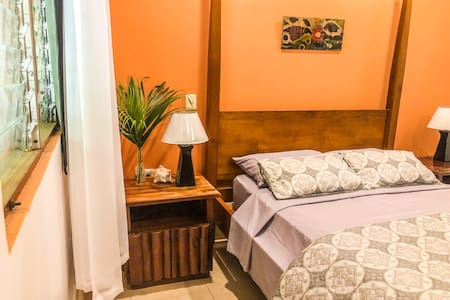 New- Double room in center & 2 min walk from beach