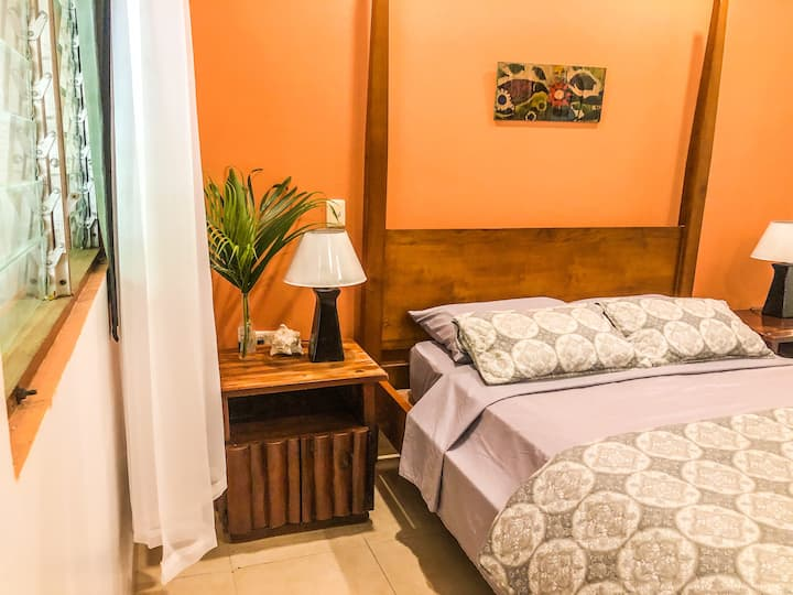 Dble Room in Samara center & 2 min walk from beach