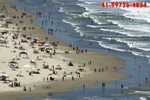 caiobá praia mansa  magia do litoral paranaense 100 metros do prédio