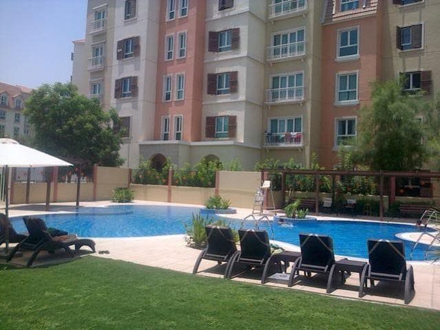 Amazing One Bedroom with a nice furniture - Dubai - Byt