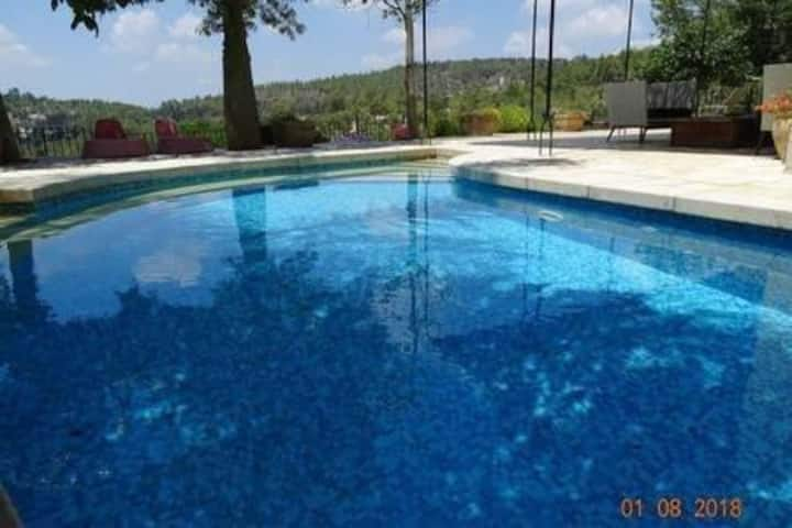 Villa near Jerusalem with Private Pool. Villa Gili