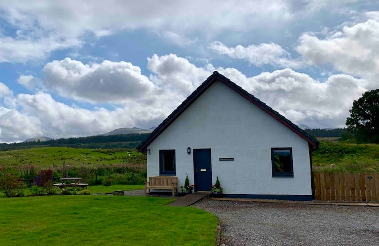 Caberfeidh Cottage. Home near Fort William