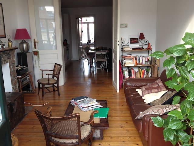 Joli appartement à Saint Gilles