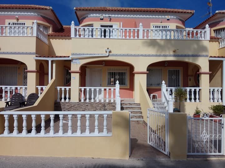 Lovely townhouse in Cabo Roig