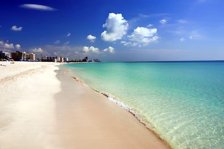 BEACHFRONT OCEAN DRIVE URBAN STUDIO - Miami Beach - Apartmen