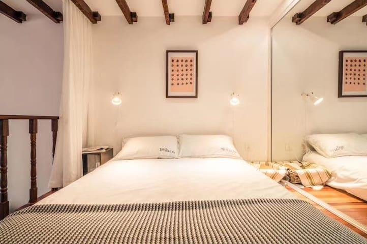 上层为休息区域,1.5米双人床