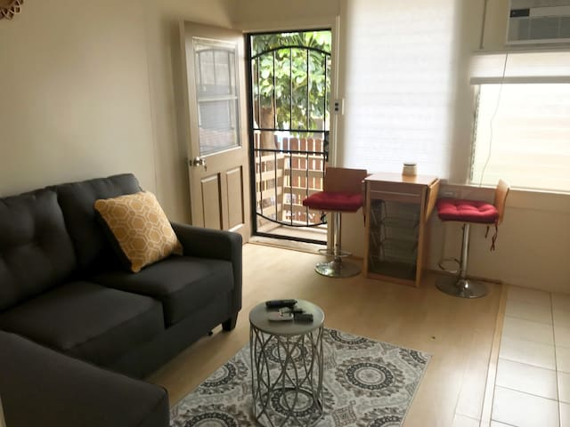 Quaint Apartment in the Waikiki District - BROA