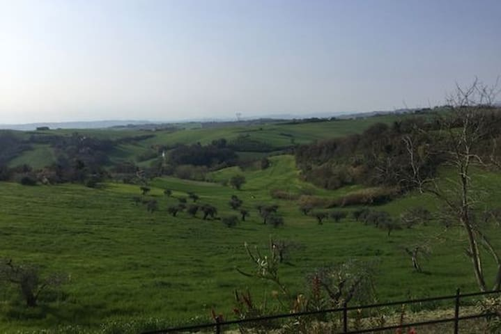 Casa a schiera in collina tra Fano e Pesaro - Carignano - Rekkehus