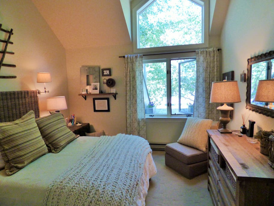 Chic Style and Comfort - 2nd Bedroom overlooking river.