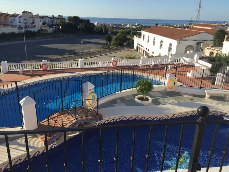 2 flotte badebasseng, som tilhører urbanisasjonen.