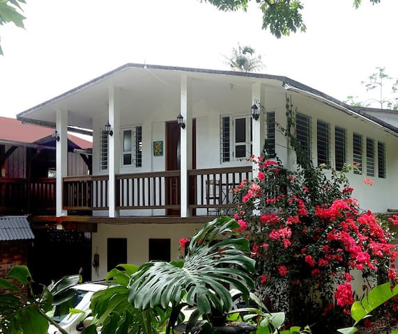 Jungle Suite @Rainforest Inn - Río Grande - Bed & Breakfast