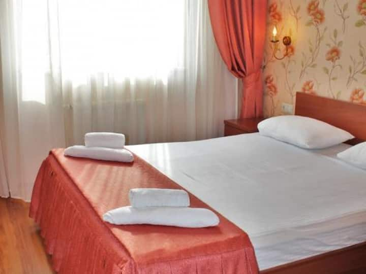 Superior standard room with balcony. Hotel Lensis