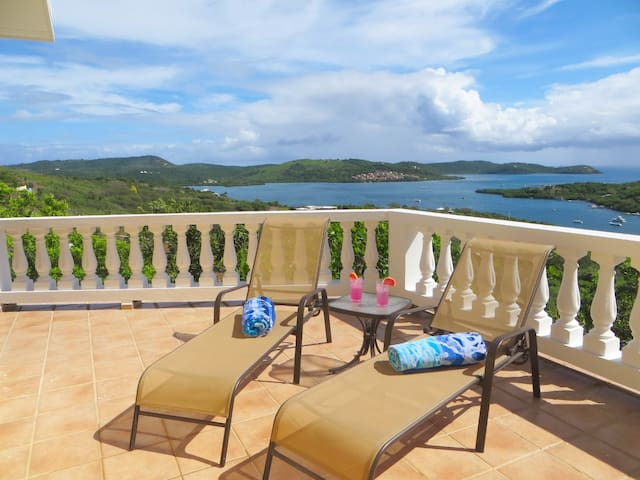 Spectacular Ocean Views, Spacious, Private, Quiet - Culebra - House