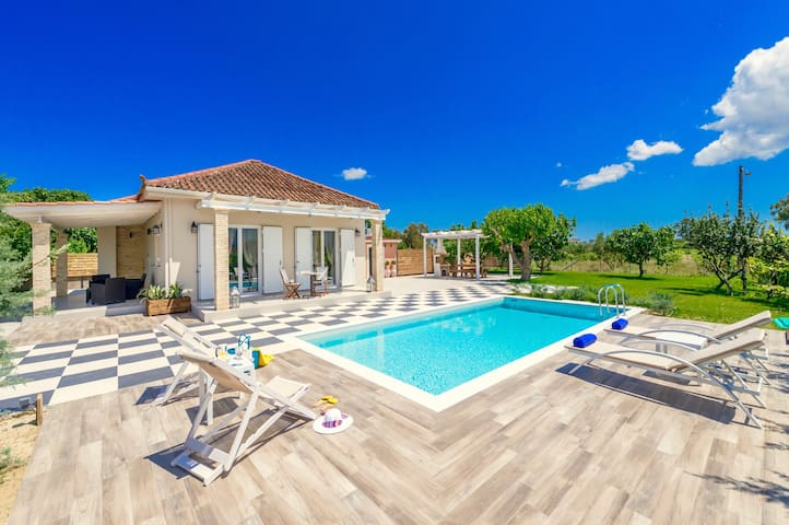Luxury Villa Vigneto with private swimming pool