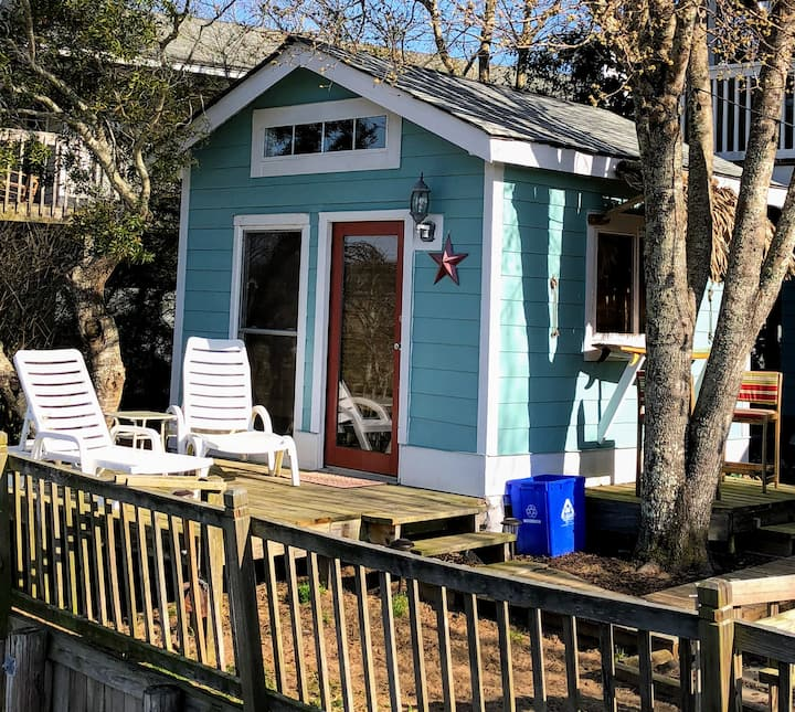 Creekside Cottage (Tiny Home)