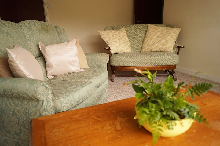 Garden flat, edge Exmoor, sleeps 4, pet friendly