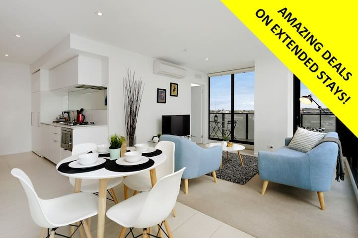 TREMENDOUS VIEW stylish CBD PAD *POOL WIFI PARKING