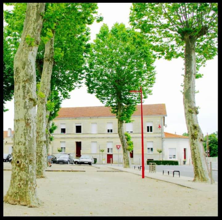 Apt 60m² T3 centre ville gare/marché/parking privé