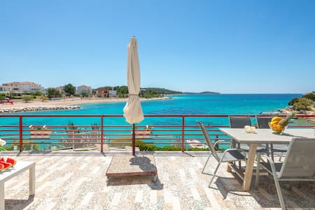 Amazing Seafront 4Bedroom Apartment
