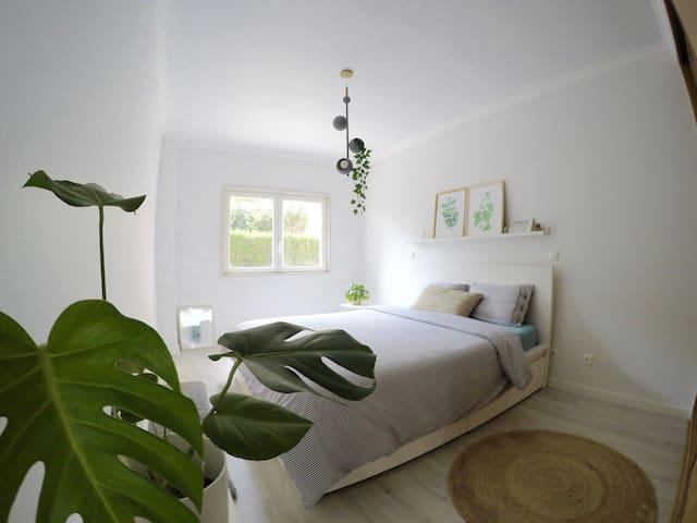 Super Modern, Beautiful Bedroom w/ Private Toilet