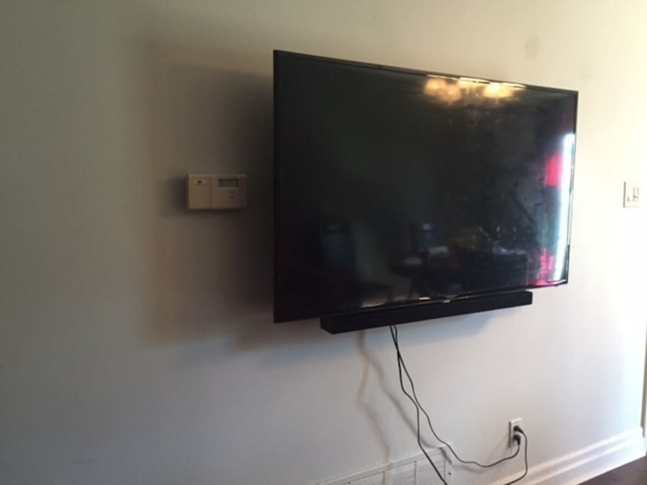 58 inch tv with netflix and ip TV