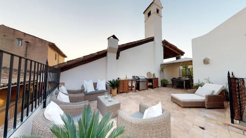 Single room in Palma old town w/ roof terrace (2)