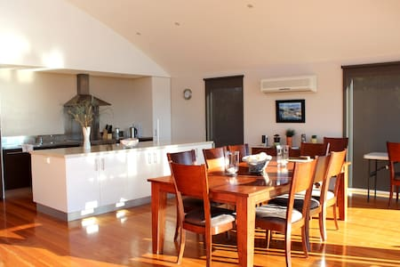 Tam O'Shanter Views -  Luxury Beach House - Lulworth