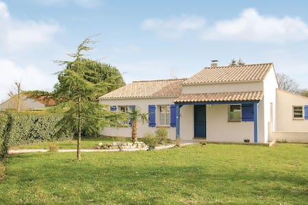 Holiday cottage with 3 bedrooms on 115m² in St Maixent sur Vie