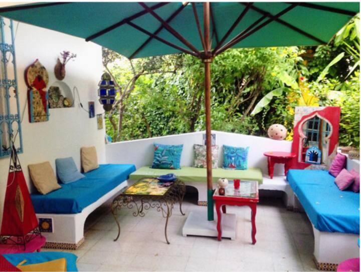 Jolie chambre dans une Villa à Sidi-Bou-Said