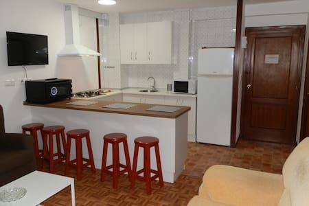 Apartamento de dos dormitorios. Playa - Perillo