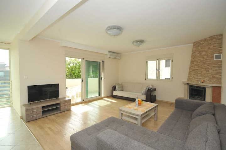 Two bedroom apartment just 350m from the beach