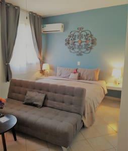 CASA PUNTA PERULA B&B: Beachfront Guestroom