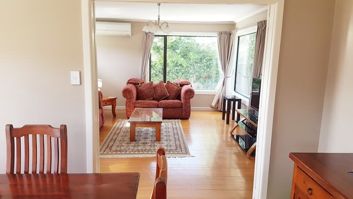 Super Cozy Fully Renovated Christchurch Home