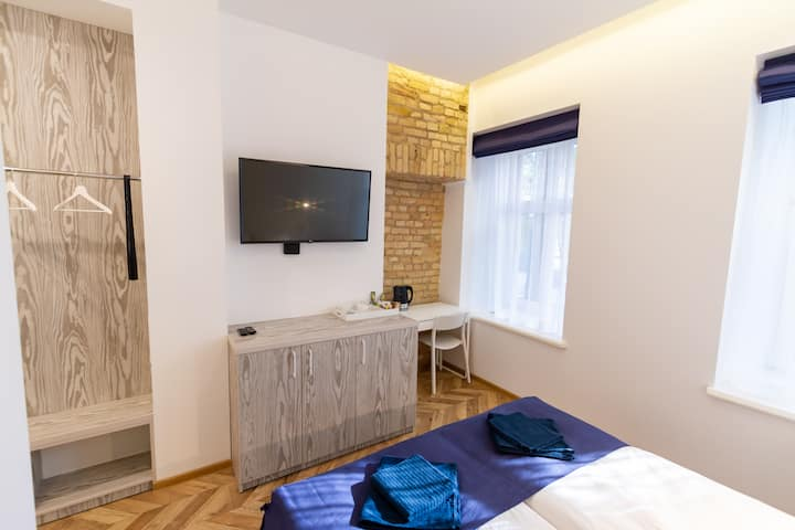 Hot Spot Vilnius Apartments - Standard Double Room No.3