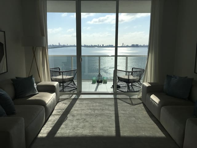 Luxe 1 bedroom apartment in miami apartments for rent in miami florida united states for One bedroom apartments in miami florida
