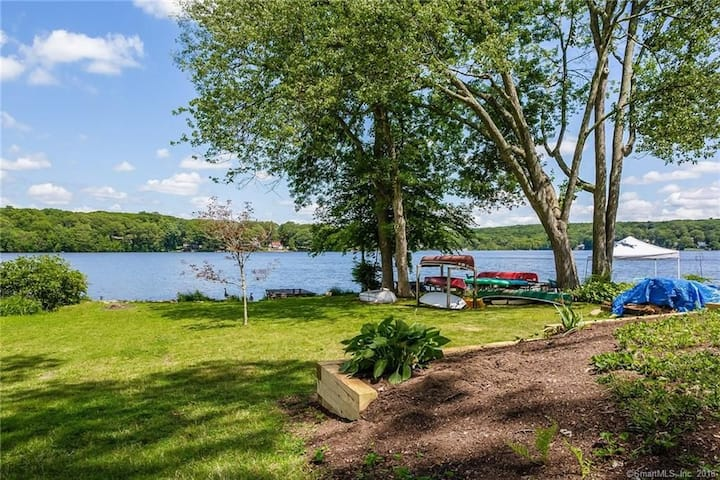 Amazing newer lakefront home